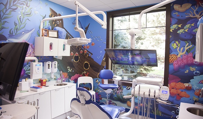 Fun underwater theme kids exam room